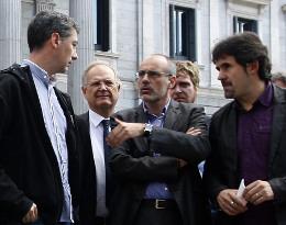 Amb Bildu, davant del Congrés de Diputats, aquest dimarts, 3 de maig